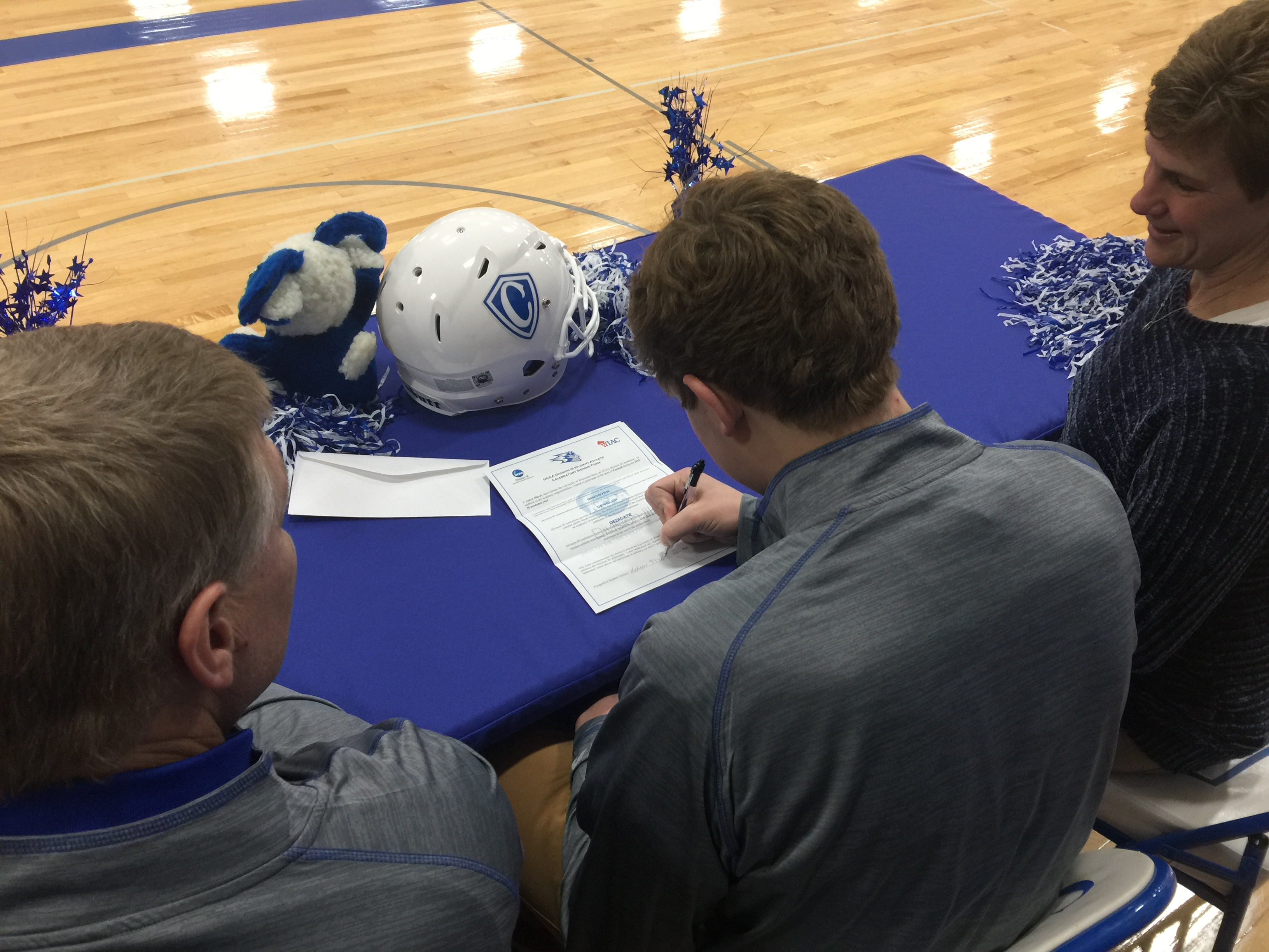 Cotter Athletes Sign Letters of Intent